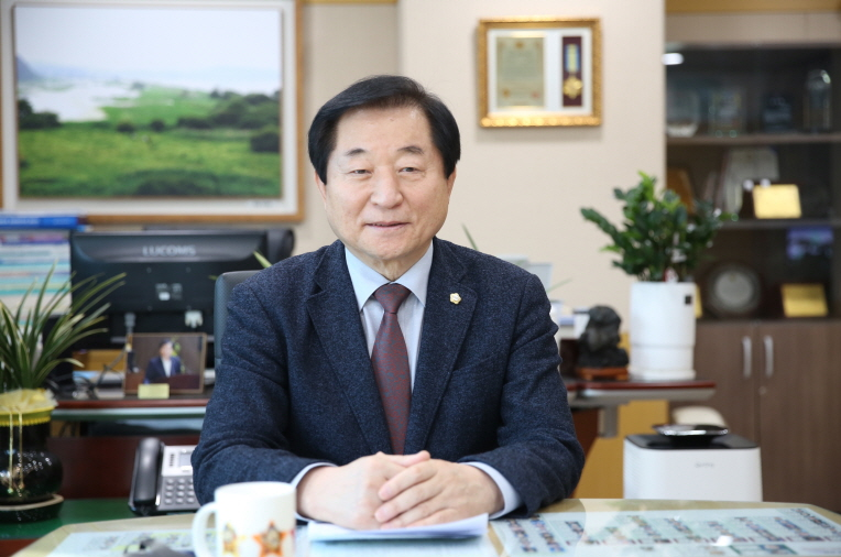 제8대 후반기 관악구의회 길용환 의장 인터뷰 1