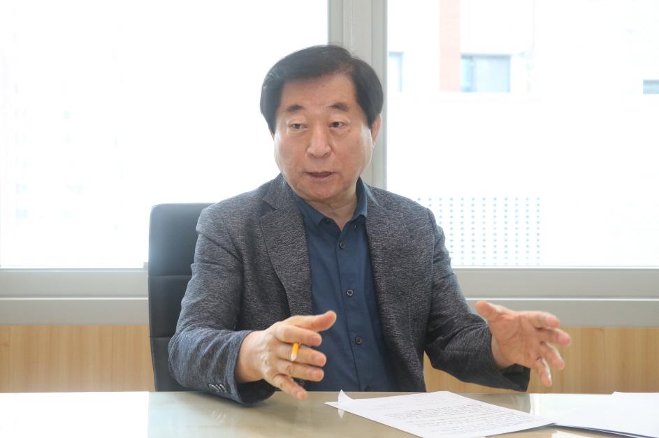제8대 관악구의회 길용환 의장 취임 1주년 인터뷰①